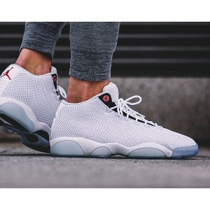 Men's Air Jordan Horizon Low Off-Court Shoes