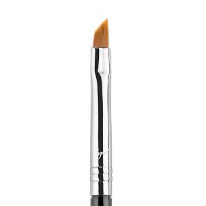 E06 - Winged Liner Brush   Sigma Beauty