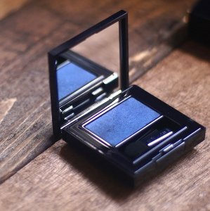 $25 Estee Lauder Pure Color Envy Defining Eye Shadow Wet/Dry @ Neiman Marcus
