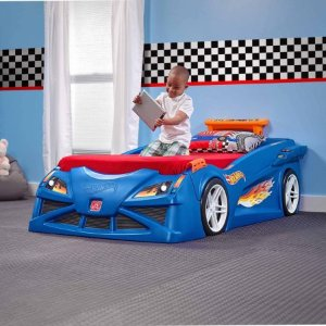 Step2 Hot Wheels Toddler-To-Twin Race Car Bed, Blue