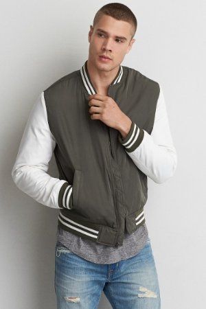 $19.99Select Mens and Womens Coats @ American Eagle