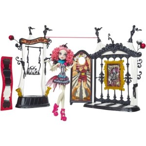Monster High® Freak du Chic™ Circus Scaregrounds™ & Rochelle Goyle® Doll