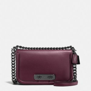 COACH: Swagger Shoulder Bag In Glovetanned Leather