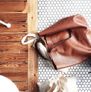 Up to 25% Off on Madewell Women's Handbags @ Shopbop