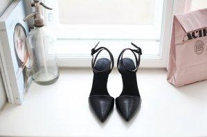 低至2.5折+ 额外9折Barneys Warehouse 精选 Alexander Wang 女装及鞋履热卖