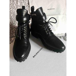 black Plain Leather BALENCIAGA Ankle boots - Vestiaire Collective