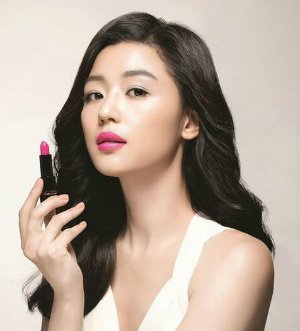 Jun Ji-hyun Hera Rouge Holic NO.147 lip stick is coming! Get Korean Drama Actress's same lip color @ JCK TREND
