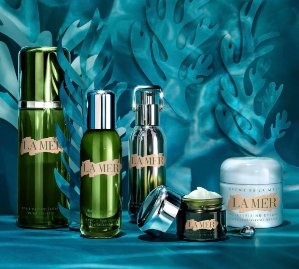 Receive a luxury size sample of The Treatment LotionWith any $250 purchase  @ La Mer