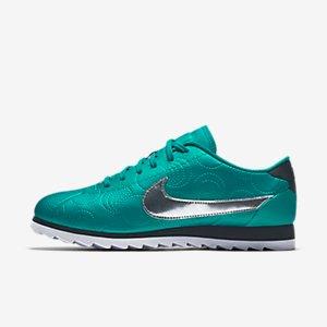 Nike Cortez Ultra LOTC (Los Angeles) Women's Shoe.