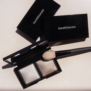 Invisible Light Translucent Powder Duo | Setting and Finishing Powders