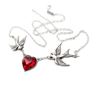 Swallow Heart Necklace - ApolloBox