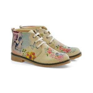 Goby Ivory Floral Chukka Boot - Women | zulily