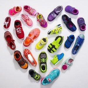 Up to 50% Off Summer Splash Sale of Kids' Shoes @ Stride Rite