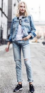 Extra 40% Off Women's Tops and Sweaters Sale @ Levis