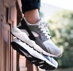 Extra 25% Off Huarache Shoes Sale @ Nike.com