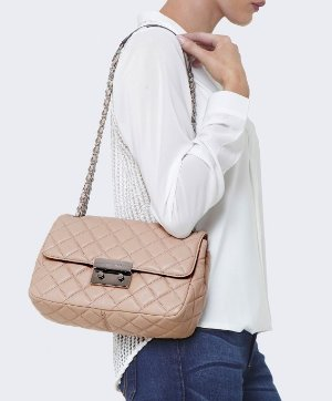 Up to 47% Off+Extra 25% OffSelect MICHAEL Michael Kors Handbags Sale @ Bloomingdales