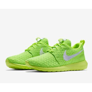 Nike Roshe Flyknit NM Women's Shoe.