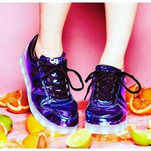 Wize & Ope Pop Pink Light Up跑鞋