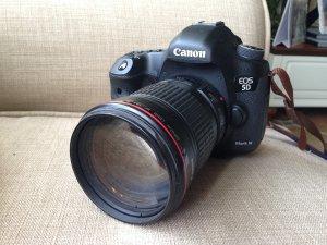 JPY 90,359/$865 Canon EF 135mm f/2L USM Lens