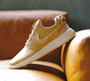 $130 NIKELAB ROSHE TWO LEATHER @ Nike Store
