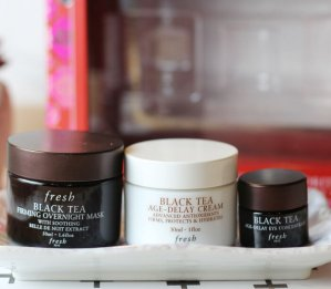 $90(val.$126) Fresh 'Black Tea' Skincare Set (Limited Edition) ($126 Value)
