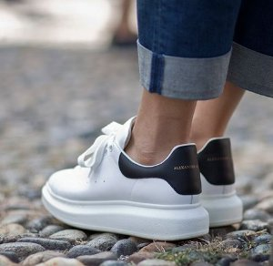 Extra 10% Off ALEXANDER MCQUEEN SNEAKER Purchase @ Saks Fifth Avenue