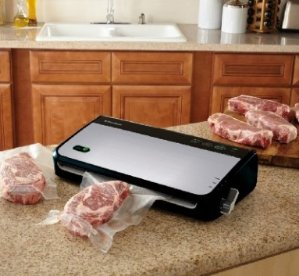 FoodSaver FM2435-ECR Vacuum Sealing System with Bonus Handheld Sealer and Starter Kit