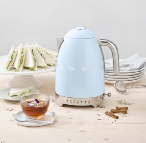 25% Off SMEG 7-Cup Kettle @ Lord & Taylor