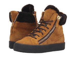$305.99(原价$765) 画风不一样的GZ运动鞋,更加适合秋冬Giuseppe Zanotti 女士焦糖色麂皮毛绒短靴