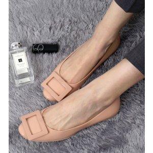 Roger Vivier Gommette Patent Leather Flats