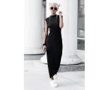 高领黑色连衣裙