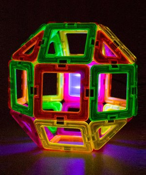 $21.77 Magformers Neon Blacklight Set (28-pieces)