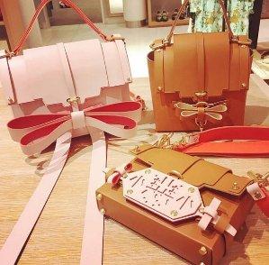 Extra 20% OffDesigner Handbags @ Luisaviaroma