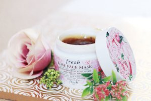 Free mini Rose Lip Treatment & Soy Eye Makeup Remover with $100 purchase @ Fresh