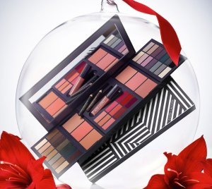 Get the Limited Edition 46 Hot Shades for $39.5 with Any Purchase @ Estee Lauder