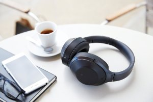 EUR 260.46/$283.29 SONY MDR-1000X Premium Noise Cancelling Bluetooth Headphone