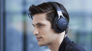 EUR 82.50/$88.48SONY MDR-1A Premium Hi-Res Stereo Headphones