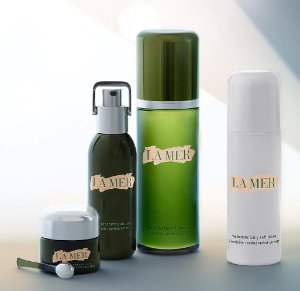 Earn Up to a $700 Gift Card with La Mer Purchase @ Saks Fifth Avenue