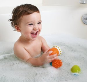 $8.97 Boon Scrubble Interchangeable Bath Toy Squirt Set,Orange