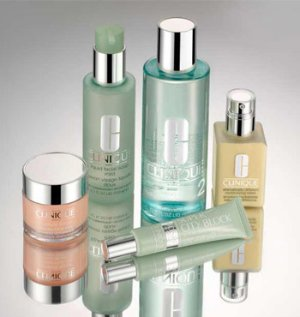 Free 3 Piece Weekender Kit With Any $35 Purchase @ Clinique!