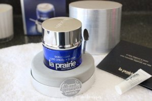 Up to $300 Gift Card with  La Prairie purchase @ Neiman Marcus