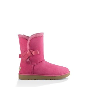 UGG Women's Classic Knot Boots