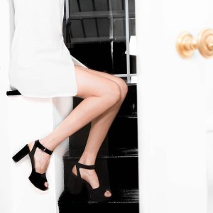 Up to 40% Off Stuart Weitzman Sale @ Bergdorf Goodman