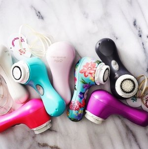 20% off Devices + Free beauty bag with brush head with orders over $175 @ Clarisonic
