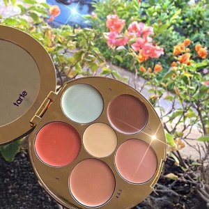 Limited-edition Wipeout Color-correcting Palette @Tarte Cosmetics