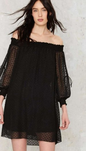 EXTRA 40% OFF Off-the-Shoulder Dresses and more On Sale @ Nasty Gal