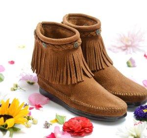 Up to 77% Off Minnetonka Women's Shoes On Sale @ 6PM.com