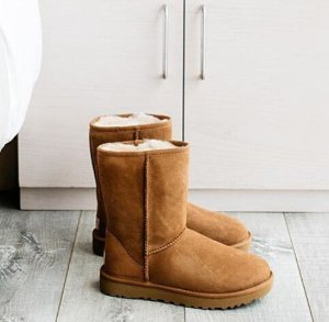 Up to 55% Off + Buy 1 get 2nd 25% Off On Ugg Sale @ The Walking Company