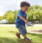 Up to 40% Off New Balance Kids' Shoes @ Gilt