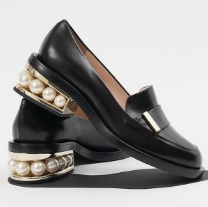 Up to $700 Off on Nicholas Kirkwood Women's Shoes @ Moda Operandi